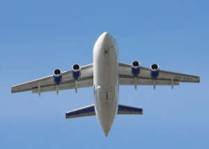 airliner-3659_640